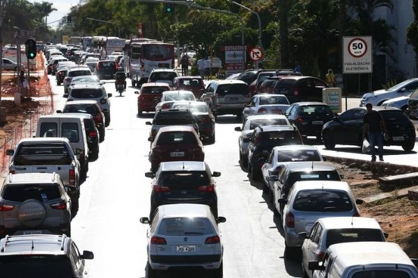 Mineiros terão descontos para regularizar dívidas de IPVA e taxas estaduais