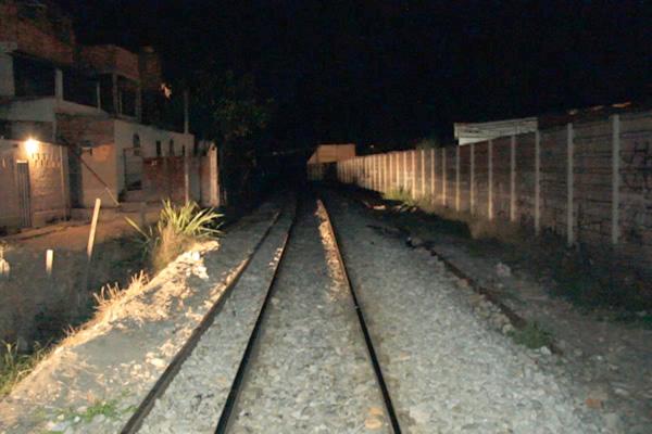 PM morre após ser atropelado por trem, em Contagem
