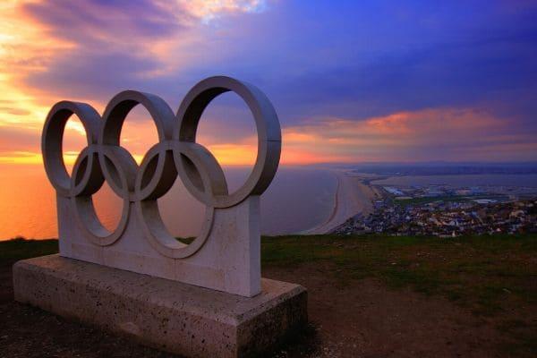 Membro mais antigo do COI diz que Jogos Olímpicos serão adiados