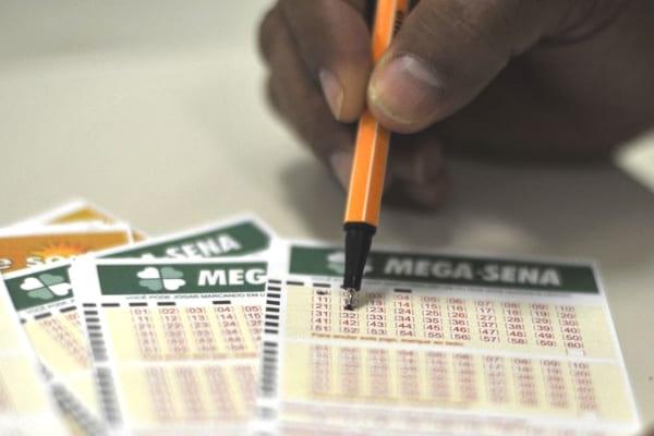 Mega-Sena sorteia prêmio de R$ 18 milhões nesta terça-feira