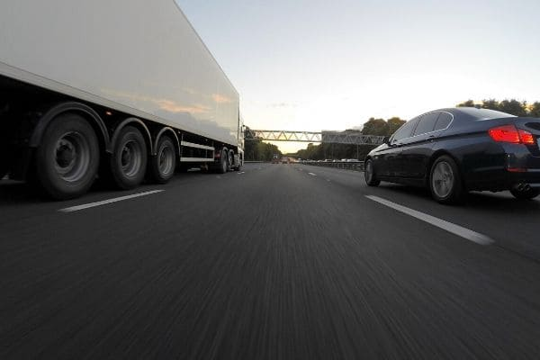 Veículos pesados terão tráfego restrito nos próximos feriados