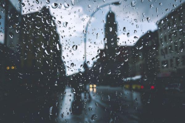 Chuva ganha força na região metropolitana