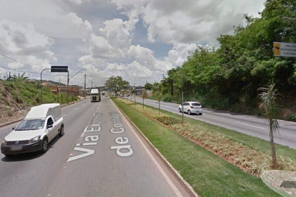 Via Expressa está parcialmente interditada em Contagem