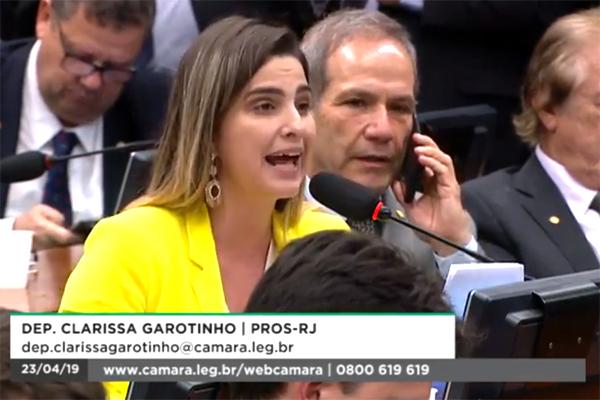 Na CCJ,  Bolsonaro é desafiado a abrir mão da segunda aposentadoria