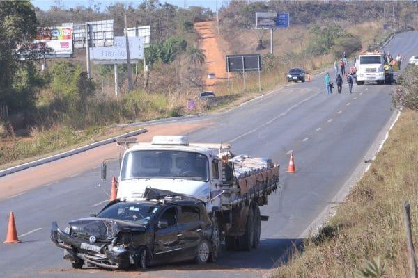 Feriadão tem 106 acidentes em rodovias federais que cortam MG