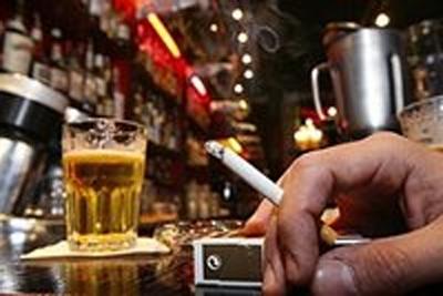 Brasileiro fuma menos, bebe mais e não cuida do peso