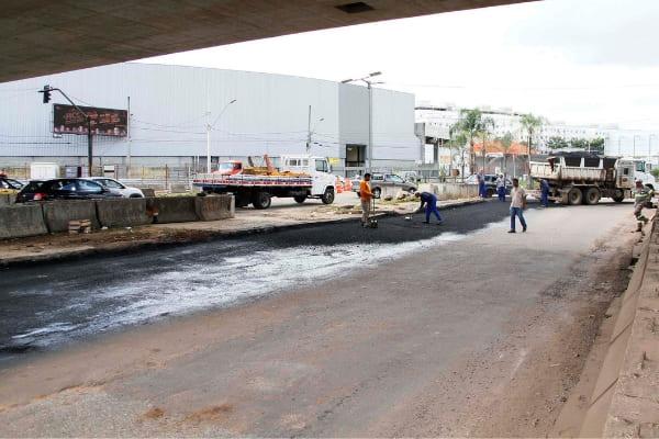 Avenida sob Viaduto das Américas é ampliada, no Ressaca