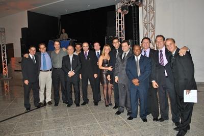 Novos presidentes dos Rotary Club de Contagem tomam posse