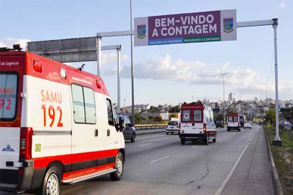 Contagem e Betim recebem ambulâncias do Samu