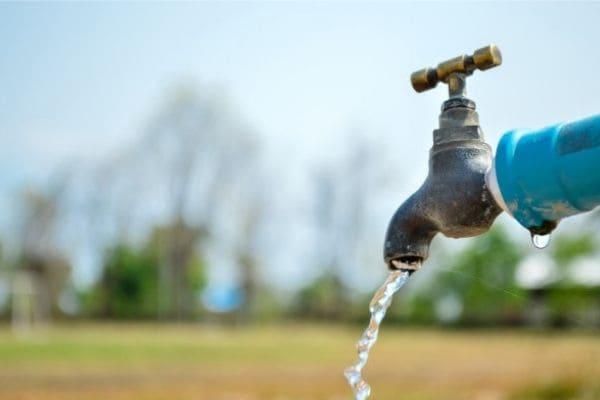 Manutenção em rede deixa bairros de Contagem sem água
