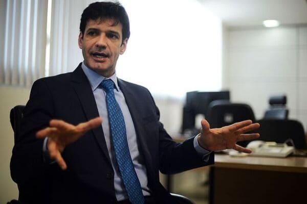 Ministro comemora manutenção de veto à franquia de bagagem em avião