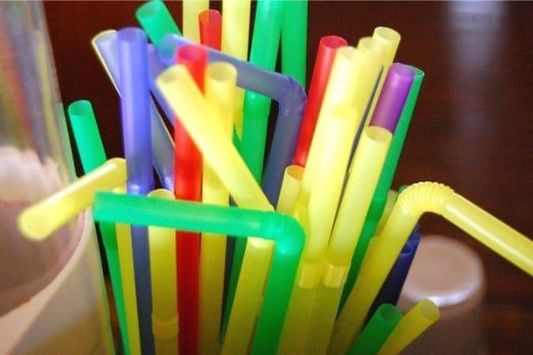 Projeto de Lei que proíbe canudos plásticos é aprovado em Contagem