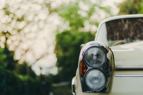 Fanaticar reúne carros rebaixados e antigos em Contagem