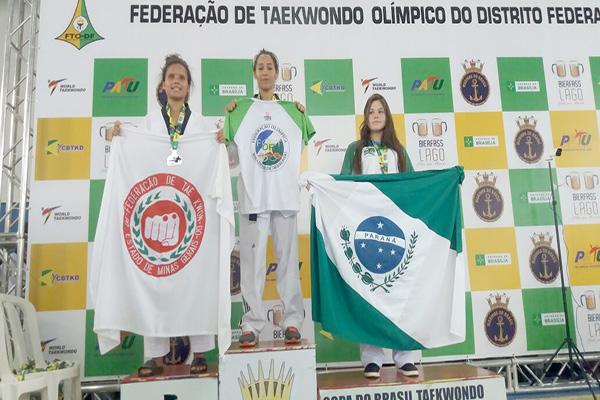 Atleta contagense é medalha de ouro na Copa do Brasil de Taekwondo