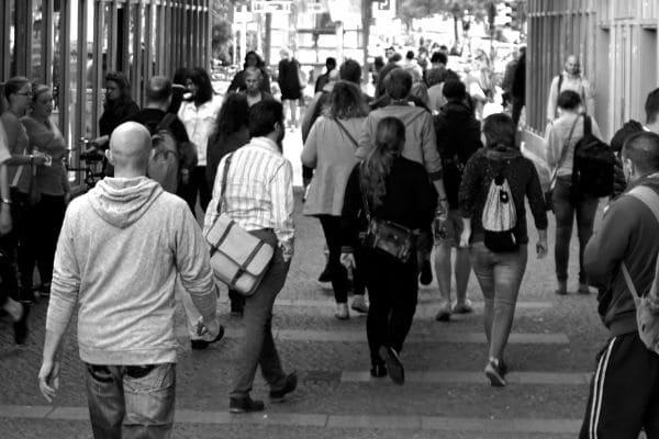 Estimativa da população brasileira passa de 210 milhões
