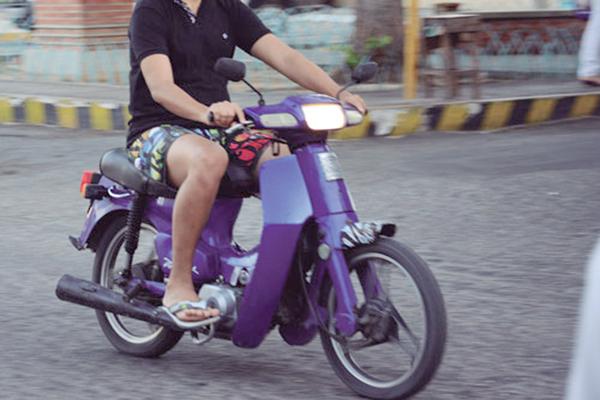 Condutores de ciclomotor 50 cc precisarão de habilitação