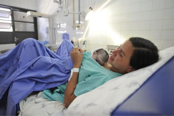 Aleitamento materno promove crescimento cerebral de prematuros