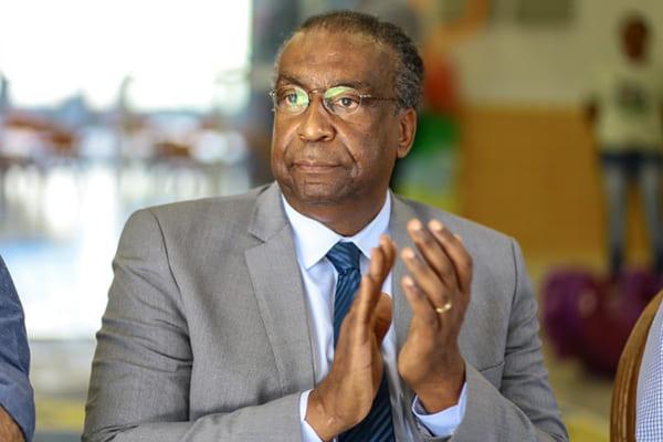 Adiada a posse do novo ministro da Educação