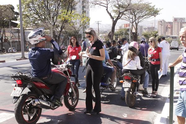 Blitz comemora o Dia do Motociclista em Contagem