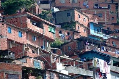 Cabral anuncia instalação de UPP nas favelas do Rio