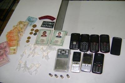 Dois suspeitos por tráfico de drogas são presos em Contagem