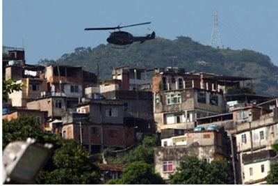 Tiroteio atinge prefeitura do RJ