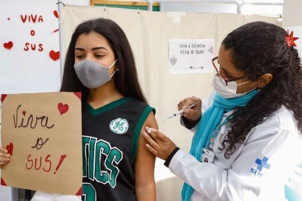 Adolescentes com comorbidade entram para grupo prioritário de vacinação