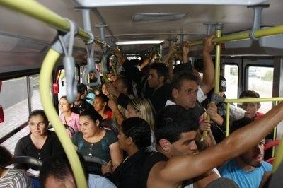 Ônibus lotado em Contagem