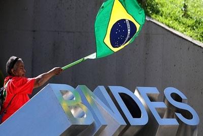 Desembolsos do BNDES caem 2% pela primeira vez desde 2006