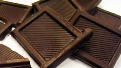 Estudo vincula consumo de chocolate a redução de 30% em doenças cardíacas
