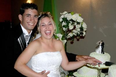 Nhá Sinhá Recepções comemora com o casal, Érica e André.