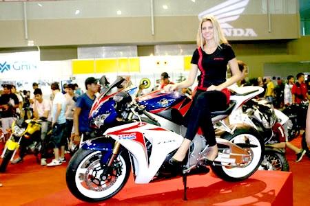Feira de motos atrai amantes das duas rodas