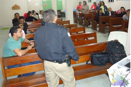 Polícia e comerciantes juntos no bairro Sapucaias