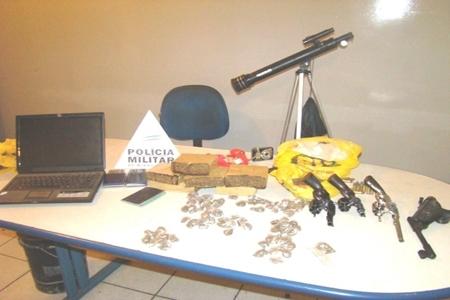 Polícia Militar apreende drogas e armas no bairro Colorado