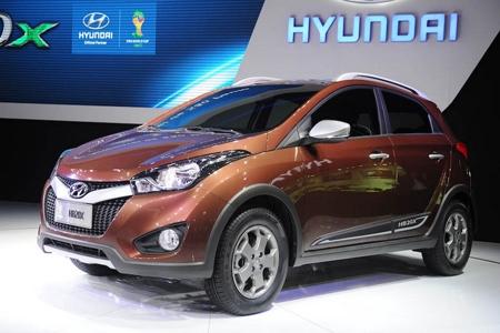 Hyundai lança versão aventureira do HB20 no Salão do Automóvel