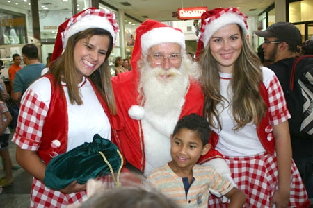 Papai Noel inaugura decora��o de Natal do Big Shopping
