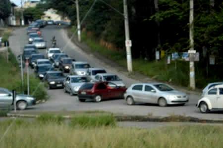 Via Expressa irrita os motoristas todos os dias