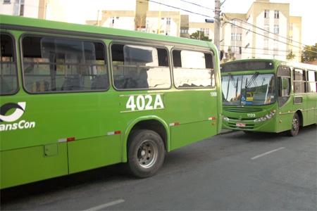 Moradores do bairro Jardim Riacho e adjacências, reclamam das linhas de ônibus 402 A e B