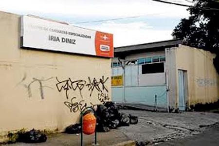 Moradora de Contagem demonstra indignação com a Secretaria de Saúde