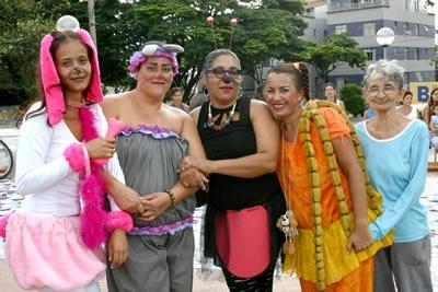 Festas públicas agitam a cidade de Contagem.
