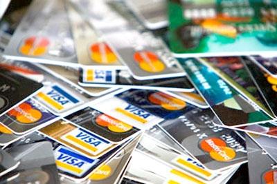08Lojistas contestam aumento de taxa de cartões.