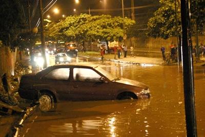 Enchente para João César.