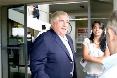 Newton Cardoso visita a Prefeita Marília Campos.