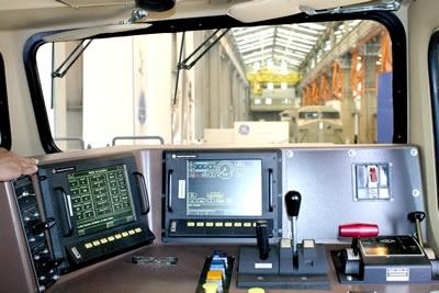 Lula vem a Contagem e inaugura locomotiva fabricada pela GE.