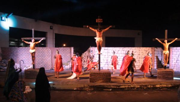 Encenação da Paixão de Cristo em Contagem