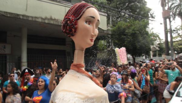 Bloco Maria Baderna desfila no Carnaval de Contagem e BH