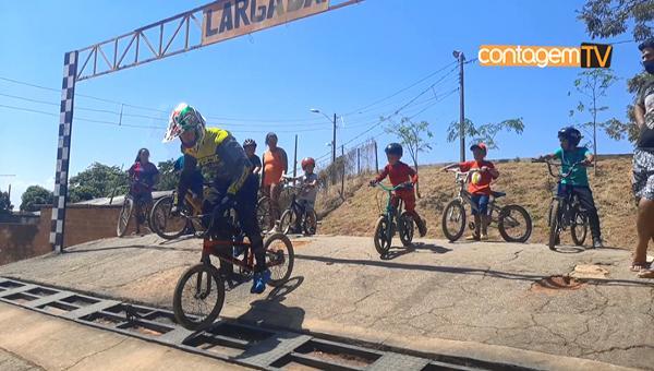 Atletas do bicicross retomam os treinamentos no Parque Fernão Dias