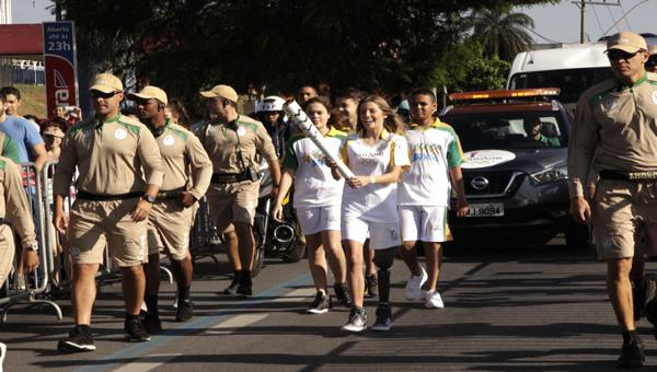 Tocha Olímpica passa por Contagem, apesar da crise