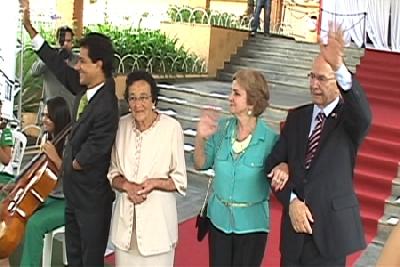 O prefeito Carlin Moura e vereadores tomam posse
