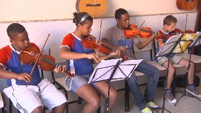 ASSOCIAÇÃO CRESCER, REFERÊNCIA PARA CRIANÇAS E ADOLESCENTES
